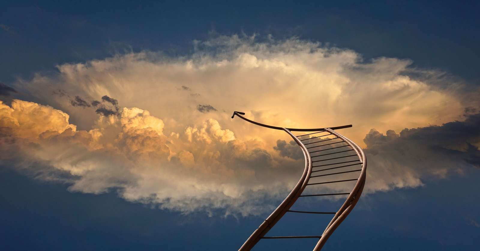 Foto von geralt--9301: https://www.canva.com/photos/MADQ5H7as2c-metallic-ladder-and-cloud-in-the-sky/
