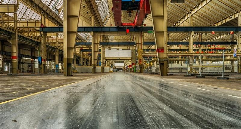 Foto von Tama66--1032521: https://www.canva.com/photos/MADQ413-tJ0-abandoned-factory-building/